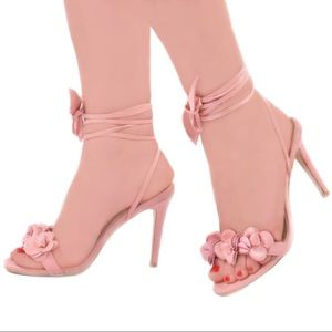 Pink 🌸 Heeled, Ankle Tie Sandals 8.5/9 NWT